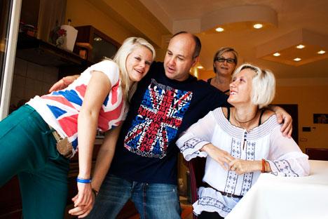 La famiglia Corso al completo. La campionessa di atletica Oxana è la prima a destra (Foto: Luca Ferrari)