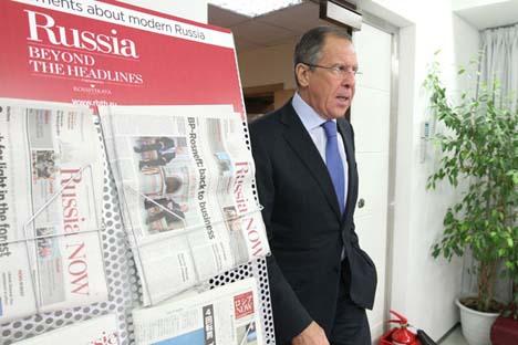 """Il ministro degli Esteri russo Sergei Lavrov in visita alla redazione di """"Rossiyskaya Gazeta"""" e """"Russia Oggi"""" per parlare, tra i vari argomenti, della questione del Medio Oriente (Foto: Sergei Kuksin / Rossiyskaya Gazeta)"""