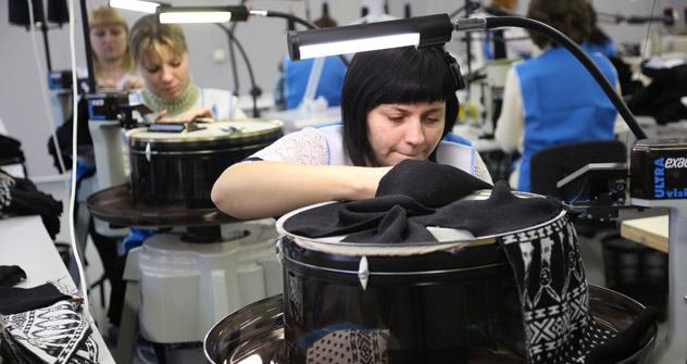 La stilista russa Kira Plastinina ha investito 150 milioni di rubli per aprire la sua prima linea di produzione a Ozyory, nella regione di Mosca (Foto: Ria Novosti)
