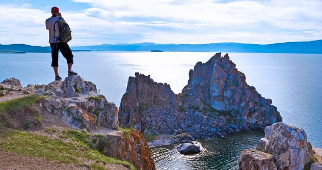 Il Bajkal si estende per 636 chilometri, una distanza pari a quella tra Mosca e San Pietroburgo (Foto: Lori/LegionMedia)
