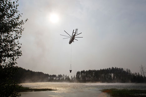 Ai tempi dell'Unione Sovietica il Paese contava su 600 aerei, 8mila uomini del soccorso antincendio e 70mila guardie forestali impiegate a tempo pieno (Foto: AP)