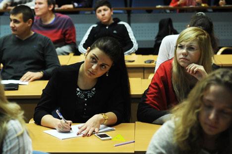 Sempre più giovani russi si avvicinano allo studio della lingua italiana (Foto: Itar-Tass)
