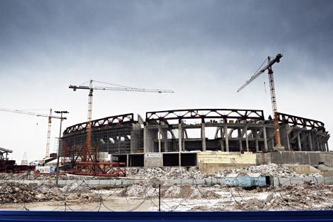 Il nuovo stadio in costruzione a San Pietroburgo per i Mondiali di calcio del 2018 (Foto: Itar-Tass)