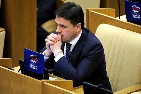 Il nuovo govenatore dell'oblast di Mosca Andrei Vorobyov, che ha preso il posto di Segei Shoigu, appena nominato ministro della Difesa (Foto: Itar-Tass)