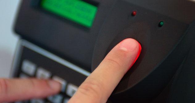 Una banca russa ha progettato degli sportelli automatici dove i clienti possono prelevare identificandosi con le impronte digitali (Foto: Alamy/Legion Media)