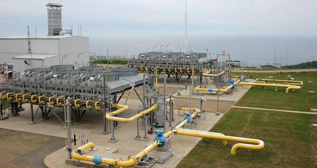 La stazione di compressione Beregovaja, che fa parte della Blu Stream Pipeline Company BV. Sullo sfondo, si intravede il Mar Nero (Foto: Evgeny Utkin)