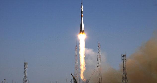 "Al cosmodromo di Baikonur il lancio del razzo Soyuz-FG"" con la navicella Soyuz TMA-04M (Foto: Ria Novosti)"