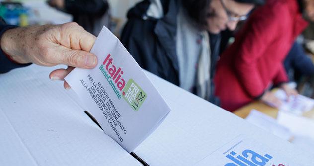 Cinquanta persone si sono recate al seggio di Mosca per eleggere il candidato premier del centrosinistra (Foto: Reuters)