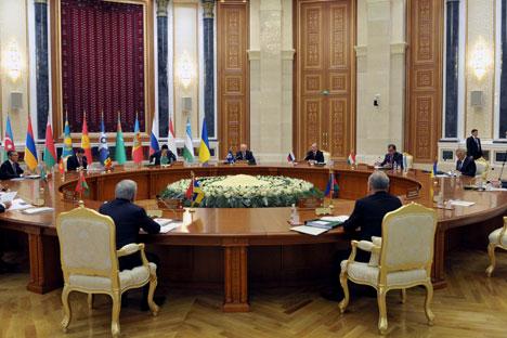 Un momento di un summit della Csi (Foto: Itar-Tass)