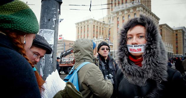 Manifestanti in piazza a Mosca, il 24 dicembre 2011, per contestare i risultati delle parlamentari (Foto: Ruslan Sukhushin)