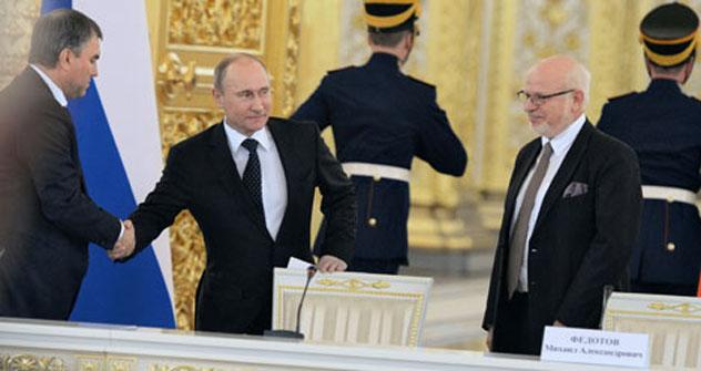 Dal 1° dicembre 2012 alla Russia andrà la presidenza del G20 e per il Presidente russo Vladimir Putin l'agenda sarà sempre più fitta di impegni internazionali per tutto il 2013 (Foto: Kommersant)