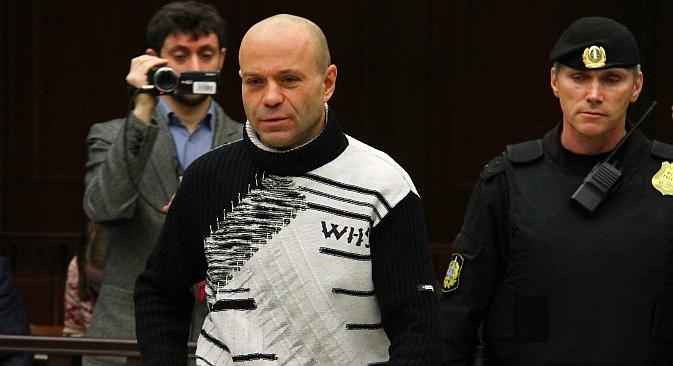 L'ex poliziotto Dmitri Pavlyuchenkov, condannato in primo grado a 11 anni per aver partecipato all'omicidio della giornalista Anna Politkovskaya nel 2006 (Foto: Itar-Tass)