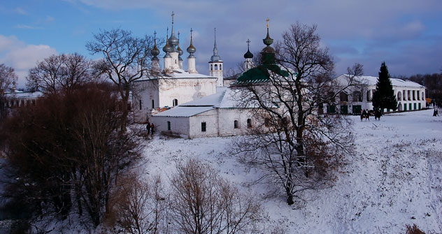 Una veduta innevata di Suzdal (Foto: Lori/LegionMedia)