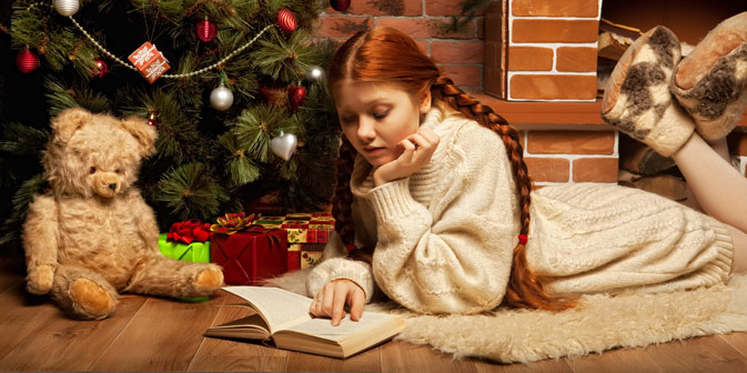Cosa c'è di meglio che regalare un libro a Natale? (Foto: Shutterstock)