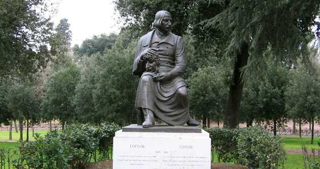 La statua di Gogol a Villa Borghese, Roma (Fonte: wikipedia.org)