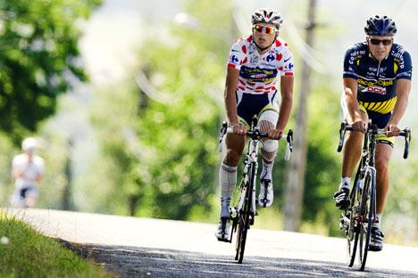Il team russo Katusha che prese parte al Tour de France 2011 (Foto: AFP/East News)