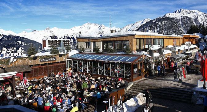 """Nella settimana di Capodanno, ribattezzata dai locali """"settimana russa"""", le Alpi hanno registrato il pienone di cittadini della Federazione (Foto: Valerij Levitin/RIA Novosti)"""