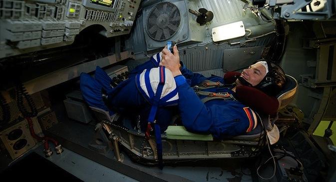 L'astronauta russo Yuri Romanenko durante un'esercitazione nella Città delle Stelle di Mosca (Foto: Reuters / Vostock Photo)