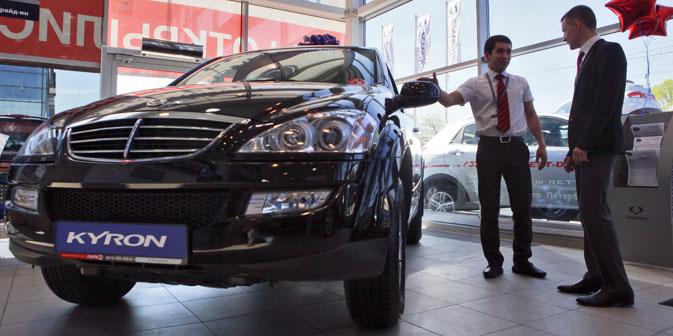Il mercato russo dell'auto nel 2012 ha battuto il record di vendite già segnato nel 2008 (Foto: Itar-Tass)