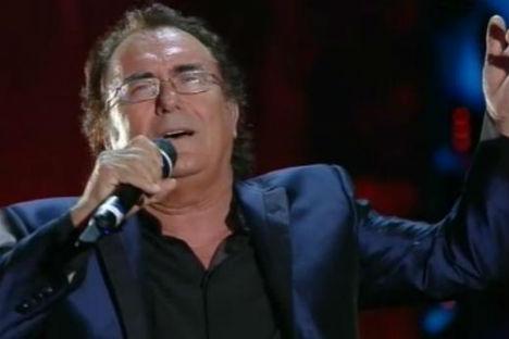 Un momento dell'esibizione di Al Bano sul palco del Teatro Ariston, nella terza serata del Festival di Sanremo (Fonte: www.sanremo.rai.it)