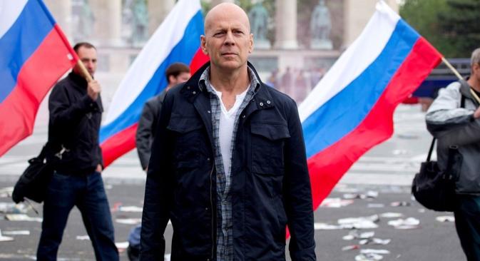 """L'attore americano Bruce Willis in un fermo immagine da """"Die Hard 5 - Un buon giorno per morire"""" (Fonte: Kinopoisk.ru)"""