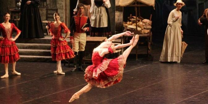 """Natalia Osipova sul palco nello spettacolo """"Don Chisciotte"""" (Foto: Marco Brescia / Teatro alla Scala)"""