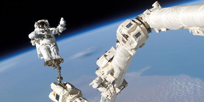 Gli scienziati russi stanno mettendo a punto un laboratorio spaziale polifunzionale che lavorerà in orbita congiungendosi con la Stazione Spaziale Internazionale (Credit: NASA / STS-114, ISS Expedition 11)
