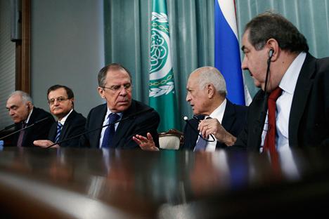 Il ministro degli Esteri della Federazione Russa, Sergei Lavrov, ha incontrato a Mosca i rappresentanti del Comitato di Coordinazione Nazionale siriano (Foto: Ap)