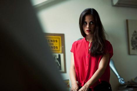 Tre anni fa, Anastasia Sartan lavorava a New York come cameriera. Ora è la proprietaria del negozio online TrendsBrands.ru (Foto: Kommersant)