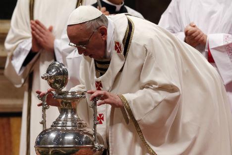 Papa Francesco durante una celebrazione liturgica (Foto: Reuters/Vostock Photo)