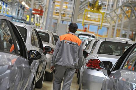 La linea di produzione Fiat nella fabbrica Sollers in Russia (Foto: Itar-Tass)