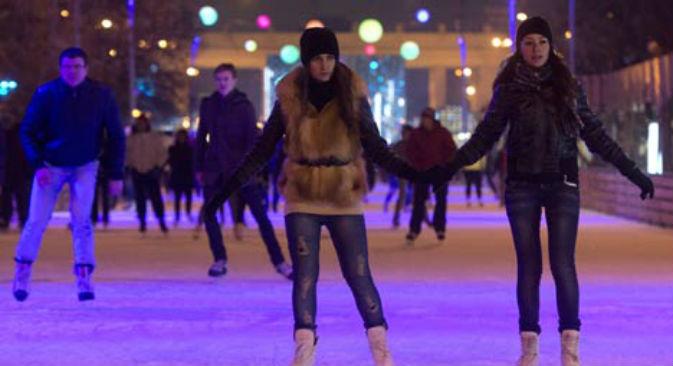 Al Parco Gorky di Mosca l'8 marzo 2013 le donne pattinano gratis (Foto: RIA Novosti)