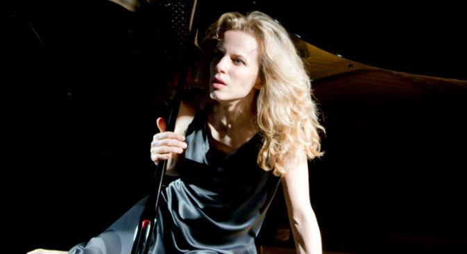 """L'attrice italiana Sonia Bergamasco in scena con """"Anna Karenina. Prove aperte di infelicità"""" (Foto: Ufficio stampa)"""