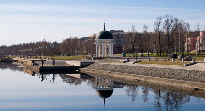 Una passeggiata lungo Onezhskaja naberezhnaja è consigliata (Foto: Lori / Legion Media)