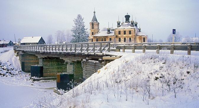 Il paesaggio nella cittadina di Kargopol (Foto: William Brumfield)