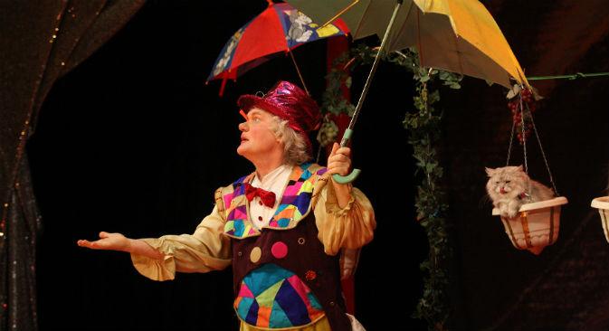 Il 64enne Yuri Kuklachev che da 40 anni si esibisce da clown con dei gatti (Foto: PhotoXPress)