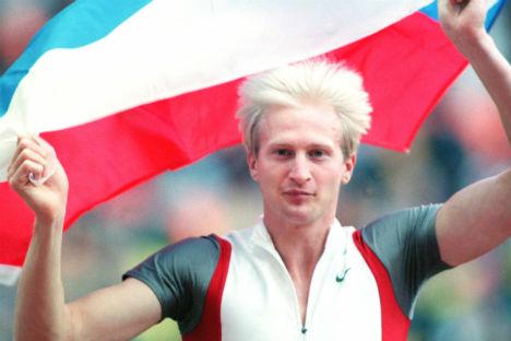 Il campione russo Maksim Tarasov, oro olimpico nel salto con l'asta (Foto: Itar-Tass)