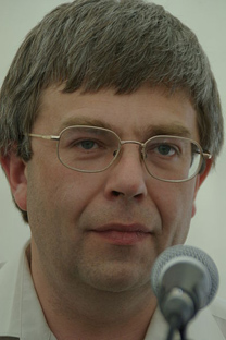Il poeta ed editore Maksim Amelin (Fonte: Wikipedia / Rodrigo Fernandez)