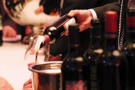 """""""A bere vino italiano in Russia è il ceto medio-alto"""", conferma l'importatore Albert Kolvackh, buyer della catena di supermercati Azbuka Vkusa (Foto: Ufficio Stampa Vinitaly)"""