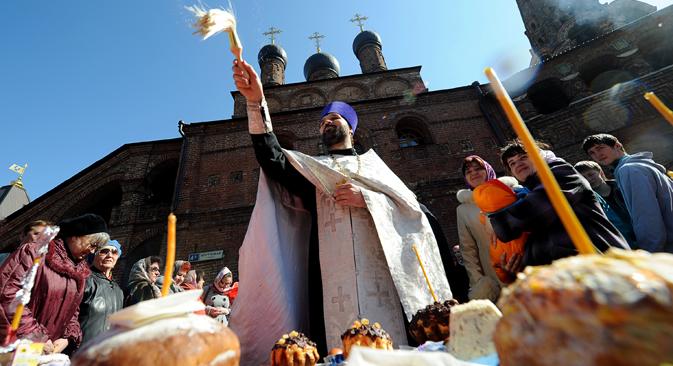 La benedizione dei dolci pasquali (Foto: AFP/East News)