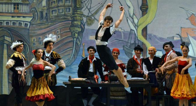 """Vladimir Shkljarov nel balletto """"Don Chisciotte"""" al Teatro Petruzzelli di Bari (Foto: Carlo Cofano/Teatro Petruzzelli)"""