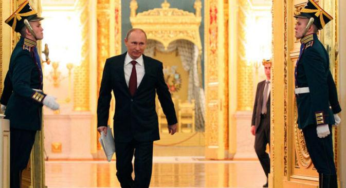 Il Presidente russo Vladimir Putin al Cremlino, nel giorno della cerimonia d'incarico al terzo mandato presidenziale (Foto: Reuters)