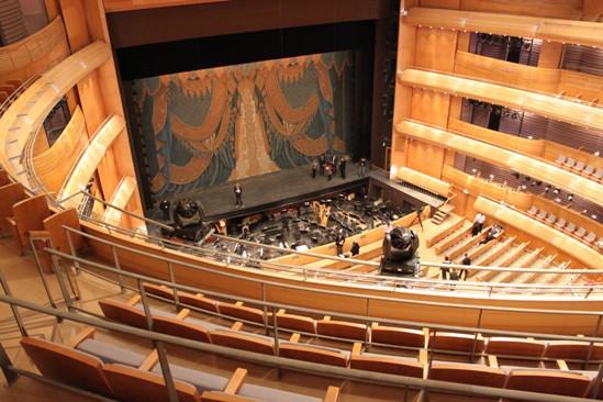 L'opera trova casa nel nuovo Mariinskij, mentre il vecchio resta il regno del balletto. Nella foto gli interni del Mariinskij II (Foto: Pauline Tillmann)