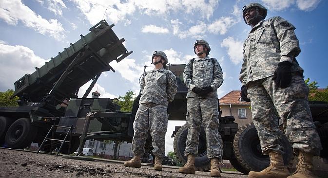 Soldati americani davanti a una batteria di missili Patriot nella base militare nel Nord della città polacca di Morag, 26 maggio 2010 (Foto: AFP / East News)