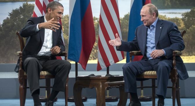 La stretta di mano tra il Presidente russo Vladimir Putin e il collega americano Barack Obama al summit del G8 in Irlanda del Nord (Foto: RIA Novosti / Sergei Guneev)