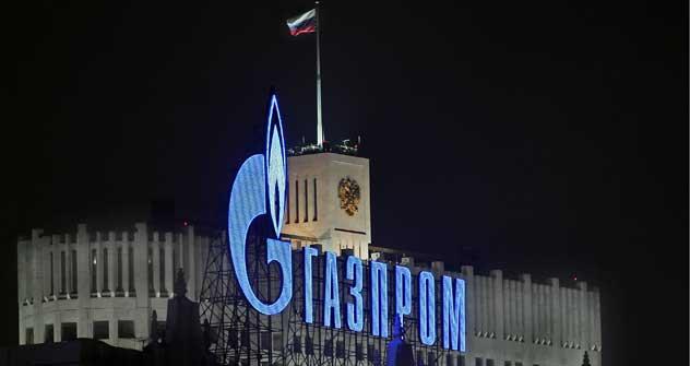 Il colosso del gas russo Gazprom, al Forum Economico di San Pietroburgo, ha accettato la richiesta di uno sconto sul prezzo delle forniture a Eni (Foto: Itar-Tass)