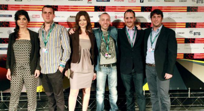 """Il cast di """"Spaghetty Story"""", il film di Ciro de Caro presentato alla 35ma edizione del Festival del Cinema di Mosca (Foto: www.moscowfilmfestival.ru)"""