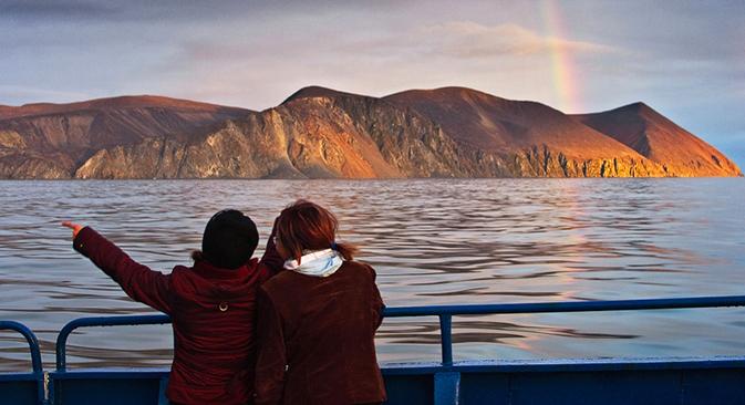 Arcobaleno sulla Baia della Provvidenza, nel Mare di Bering, nell'Est della Chukokta (Foto: Andrey Stepanov / stan-d-art.ru)