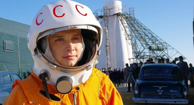 L'attore Yarslav Zhalnin nei panni di Yuri Gagarin (Fonte: kinopoisk.ru)
