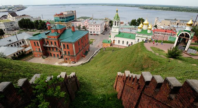 La parte alta di Nizhnij Novgorod è arroccata su una collina dalla quale si aprono splendide viste sulla confluenza dei due fiumi, Volga e Oka (Foto: Andrei Mindriukov)